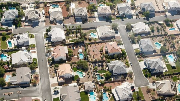 mortgage-rates-keep-falling-to-record-lows-—-so-is-now-a-good-time-to-refinance?