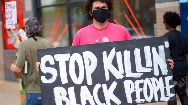 black-people-are-up-to-6-times-more-likely-to-be-killed-by-police,-harvard-study-says
