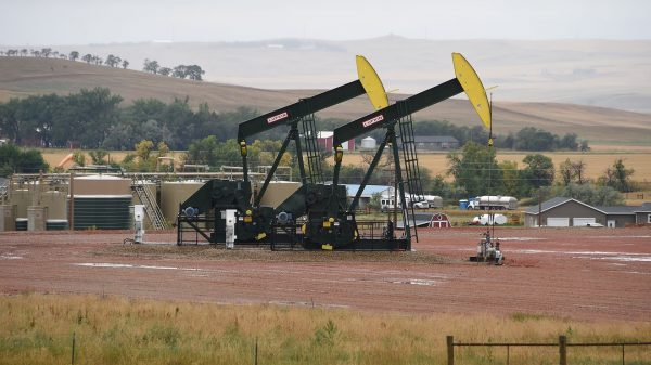the-us.-shale-oil-industry-may-collapse,-new-report-says,-after-goldman-warns-crude-is-set-for-a-fall