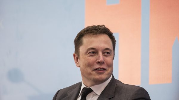 key-words:-tesla-to-$10,000-a-share?-this-billionaire-market-bull-is-banking-on-it