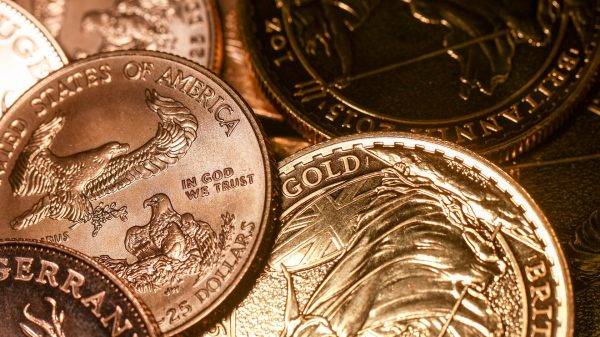 metals-stocks:-gold-prices-rise-as-global-stocks-sell-off-amid-fears-of-a-resurgence-in-us.-coronavirus-cases