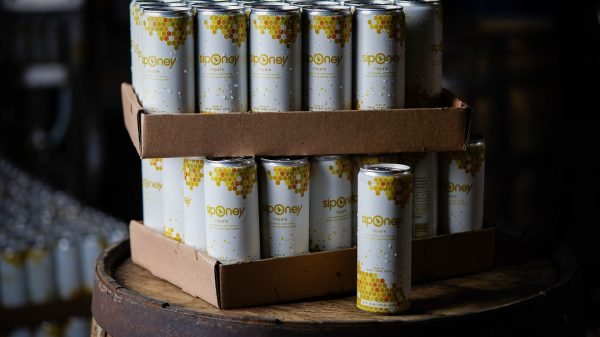 weekend-sip:-this-fizzy-canned-cocktail-has-a-hint-of-honey-—-and-a-soft-spot-for-bees