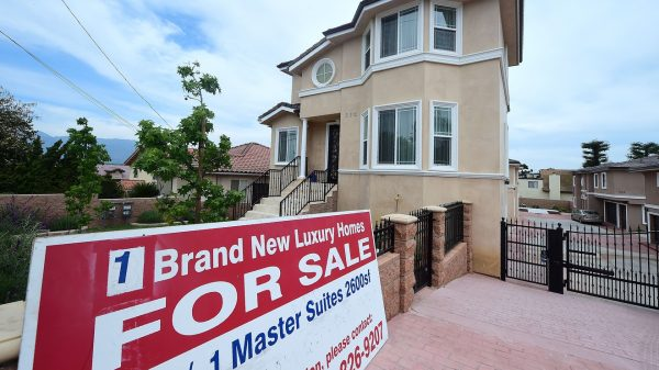 outside-the-box:-the-feared-jumbo-mortgage-debacle-is-here-—-thanks-to-the-coronavirus-—-and-ready-to-pound-the-housing-market