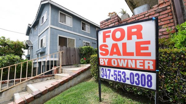 the-tell:-here-are-5-reasons-why-the-pandemic-hasn't-crashed-the-us.-housing-market