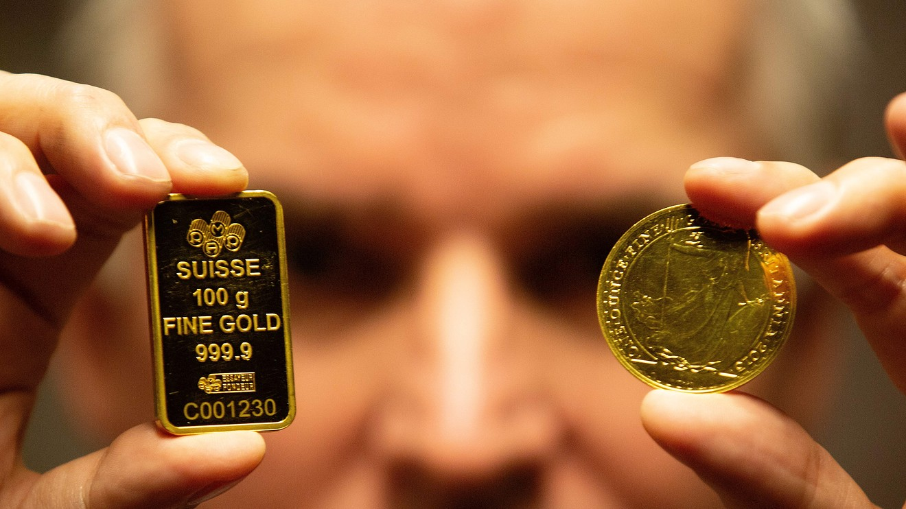 metals-stocks:-gold-scores-a-record-close-as-us.-china-tensions-mount
