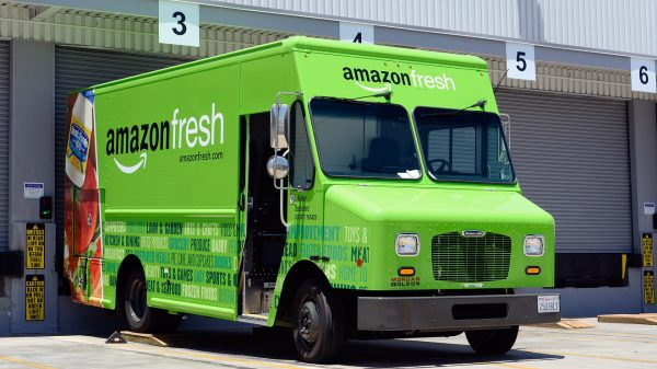 amazon-expands-its-grocery-service-in-head-to-head-battle-with-uk.-supermarkets