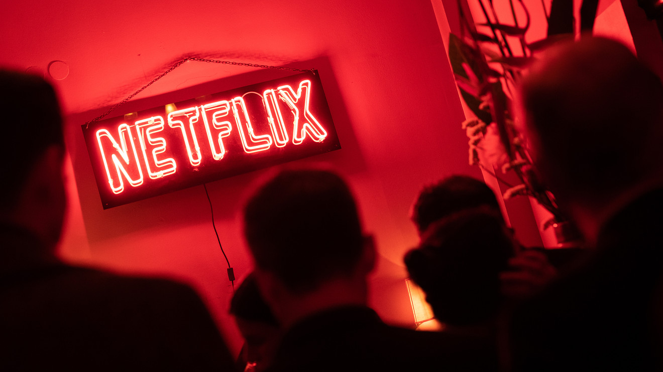 here's-why-netflix-stock,-now-below-$500,-is-going-to-$1,000
