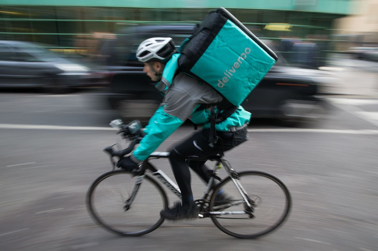 :-amazon-finally-wins-approval-from-regulator-to-gobble-up-minority-stake-in-deliveroo