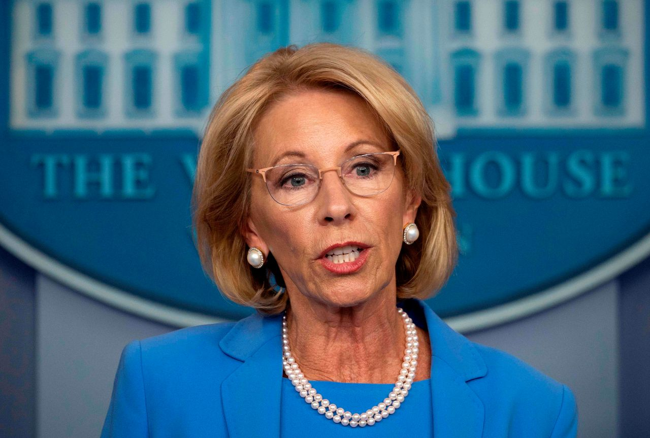 :-borrowers-are-still-having-their-paychecks-seized-over-defaulted-student-loans,-even-though-the-cares-act-was-supposed-to-stop-wage-garnishment,-lawsuit-says