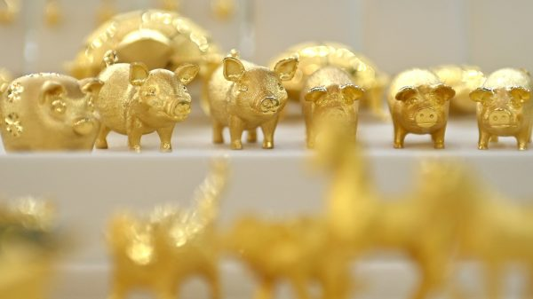 metals-stocks:-gold-futures-suffer-biggest-daily-dollar-decline-in-more-than-7-years