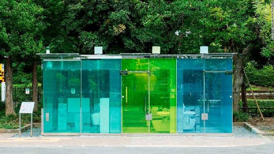 the-margin:-are-you-ready-for-public-restrooms-with-transparent-walls?
