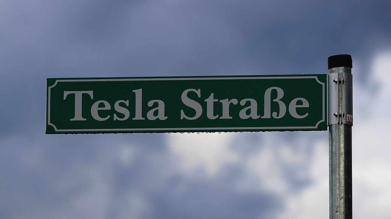 top-ten:-weekend-reads:-an-early-warning-sign-for-tesla's-stock