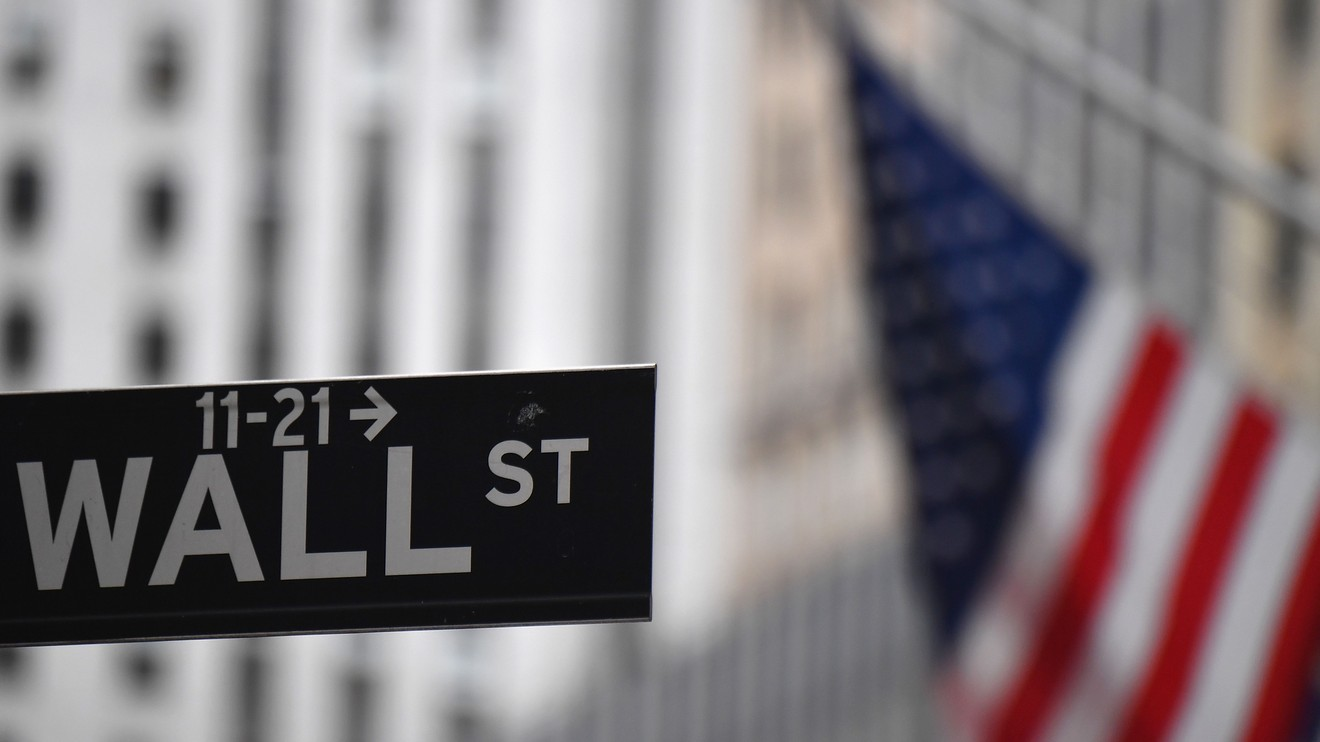 market-snapshot:-dow-closes-down-632-points,-as-tech-rout-leaves-nasdaq-in-correction-territory