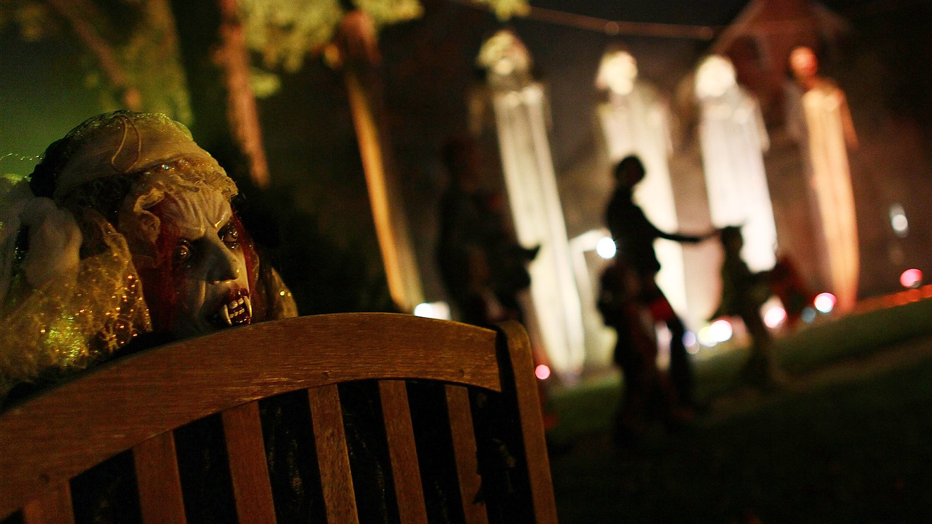halloween-sales-forecast-could-be-frightful-to-companies-trying-to-create-holiday-season-momentum
