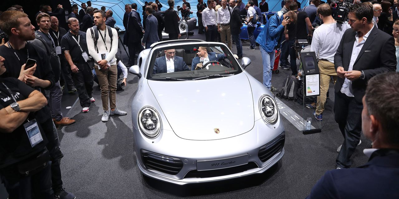 brett-arends's-roi:-citigroup-ceo's-postretirement-payouts-worth-a-new-porsche-911-–-a-month