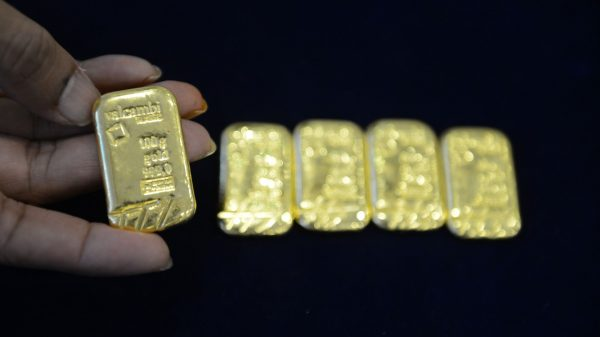 metals-stocks:-gold-prices-sink-with-stocks-as-rise-in-coronavirus-cases-sparks-rush-to-dollars