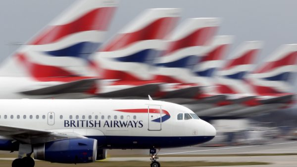 airline-stocks-fall-on-lockdown-fears-as-report-calls-for-urgent-us-uk.-air-bridge
