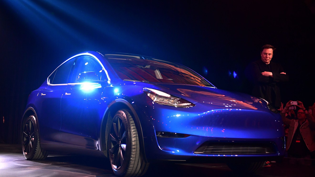 the-ratings-game:-tesla-battery-day-was-'long-on-vision-and-boldness,'-short-on-the-here-and-now