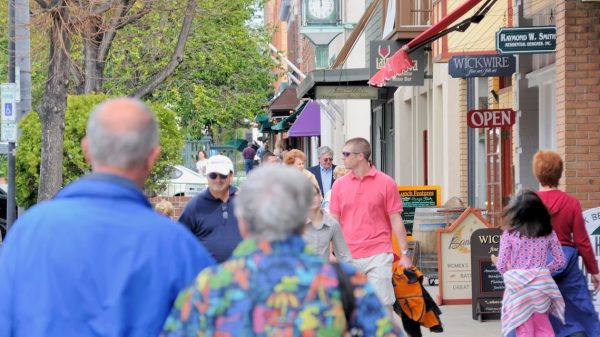 where-should-i-retire?:-we-want-to-retire-somewhere-in-the-carolinas-on-$3,400-a-month-in-social-security-—-what's-a-nice-area?