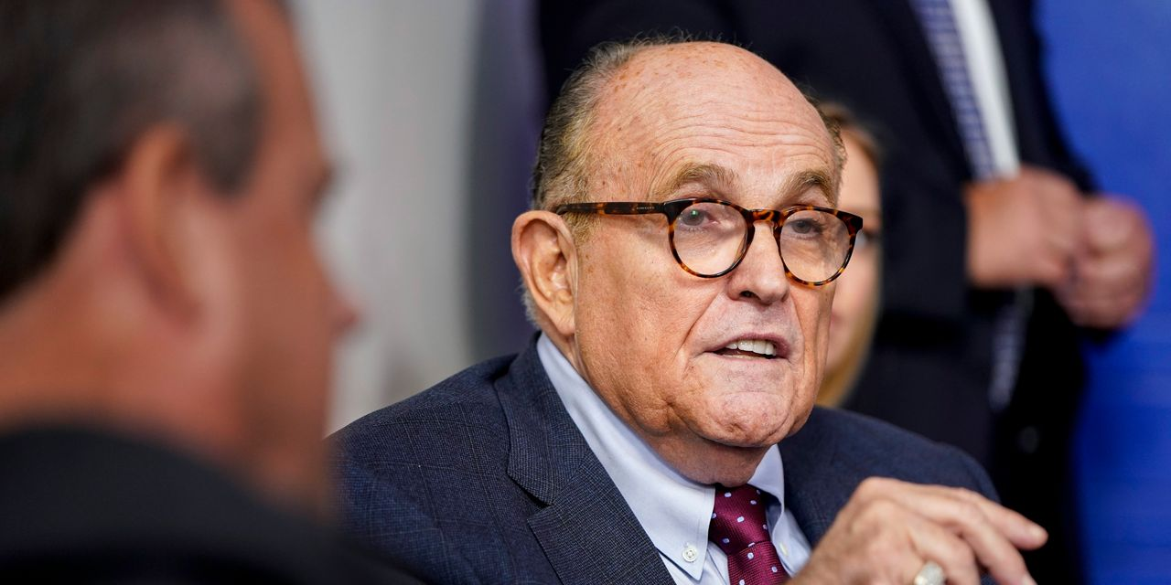:-trump-was-warned-giuliani-was-target-of-russian-disinformation-operation:-reports