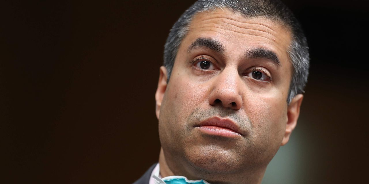 the-wall-street-journal:-fcc-to-review-rules-protecting-internet-platforms