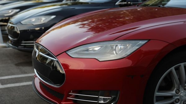 marketwatch-first-take:-tesla-plays-smoke-and-mirrors-with-profits-again