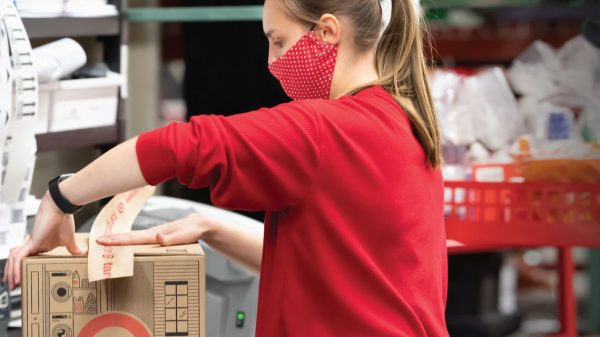:-target-adds-ways-for-customers-to-go-'contactless'
