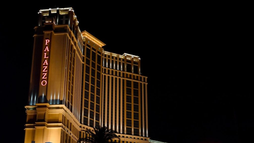 the-wall-street-journal:-sheldon-adelson's-las-vegas-sands-may-sell-its-holdings-on-strip