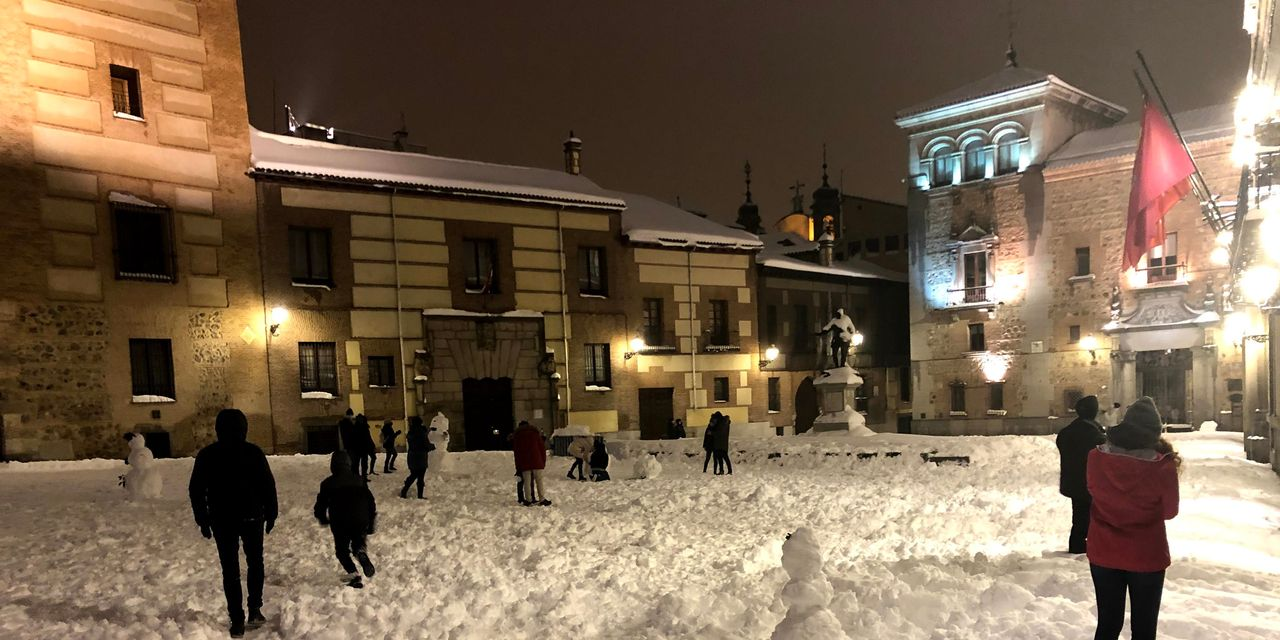 dispatches-from-a-pandemic:-icy-streets-and-packed-metros:-madrid-digs-out-from-historic-snowstorm-in-midst-of-pandemic