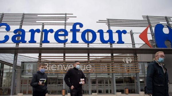europe-markets:-carrefour-shares-slump-as-couche-tard's-short-pursuit-ends-while-european-stocks-and-us.-futures-drift