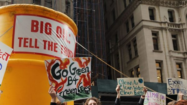 sustainable-investing:-if-you-support-green-energy,-you-should-buy-utilities-and-oil-stocks-—-here's-why
