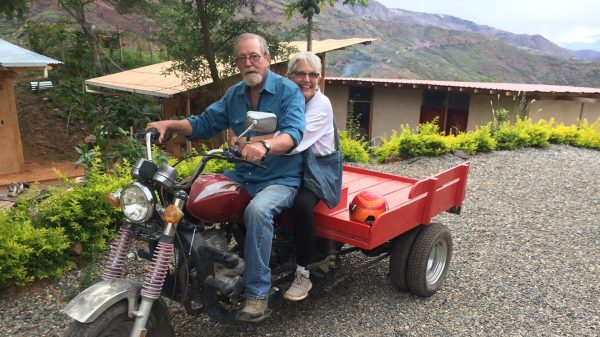 where-should-i-retire?:-these-arizona-retirees-'couldn't-afford'-america-—-now-they-live-their-dream-life-on-$2,000-a-month-in-ecuador