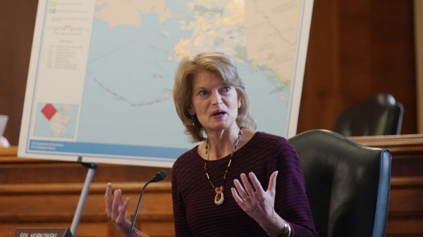 capitol-report:-seafood-processors,-tourism-get-more-money-in-stimulus-package,-in-bid-to-reach-alaska-republican-sen.-murkowski