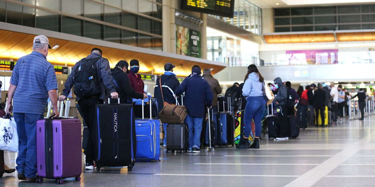 :-who-was-flying-last-year-during-covid-19?-a-lot-of-people-carrying-guns,-according-to-the-tsa