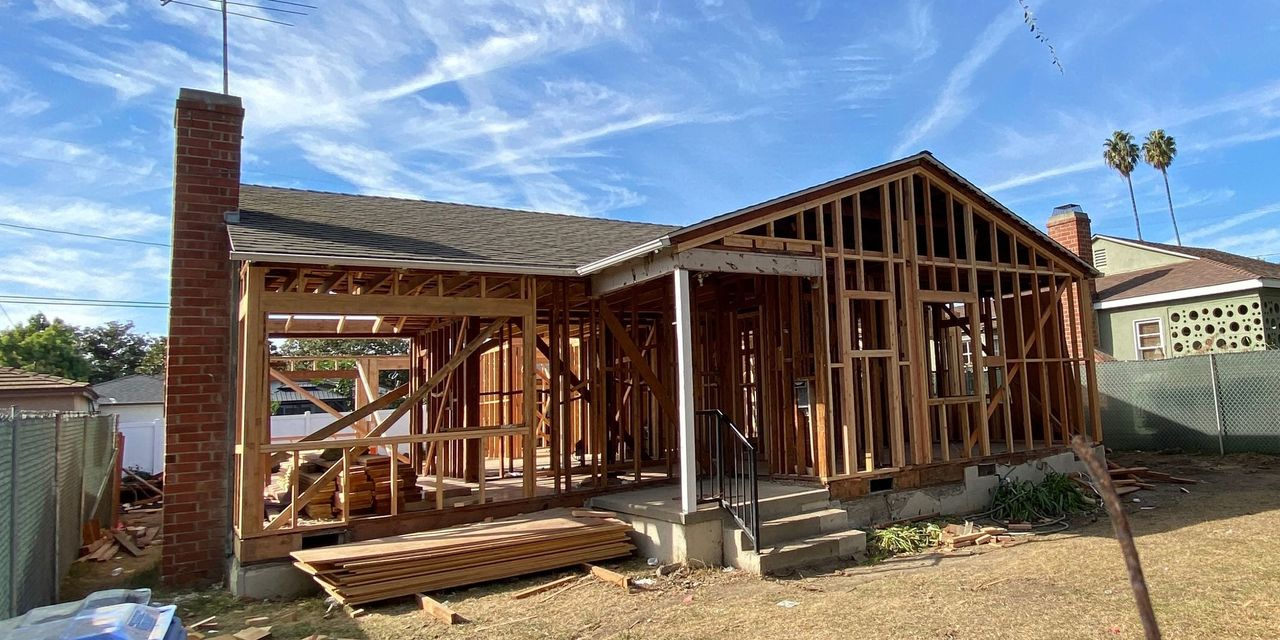 deep-dive:-homebuilder-stocks-are-in-a-sweet-spot,-and-they're-getting-cheaper-as-earnings-and-sales-estimates-rise