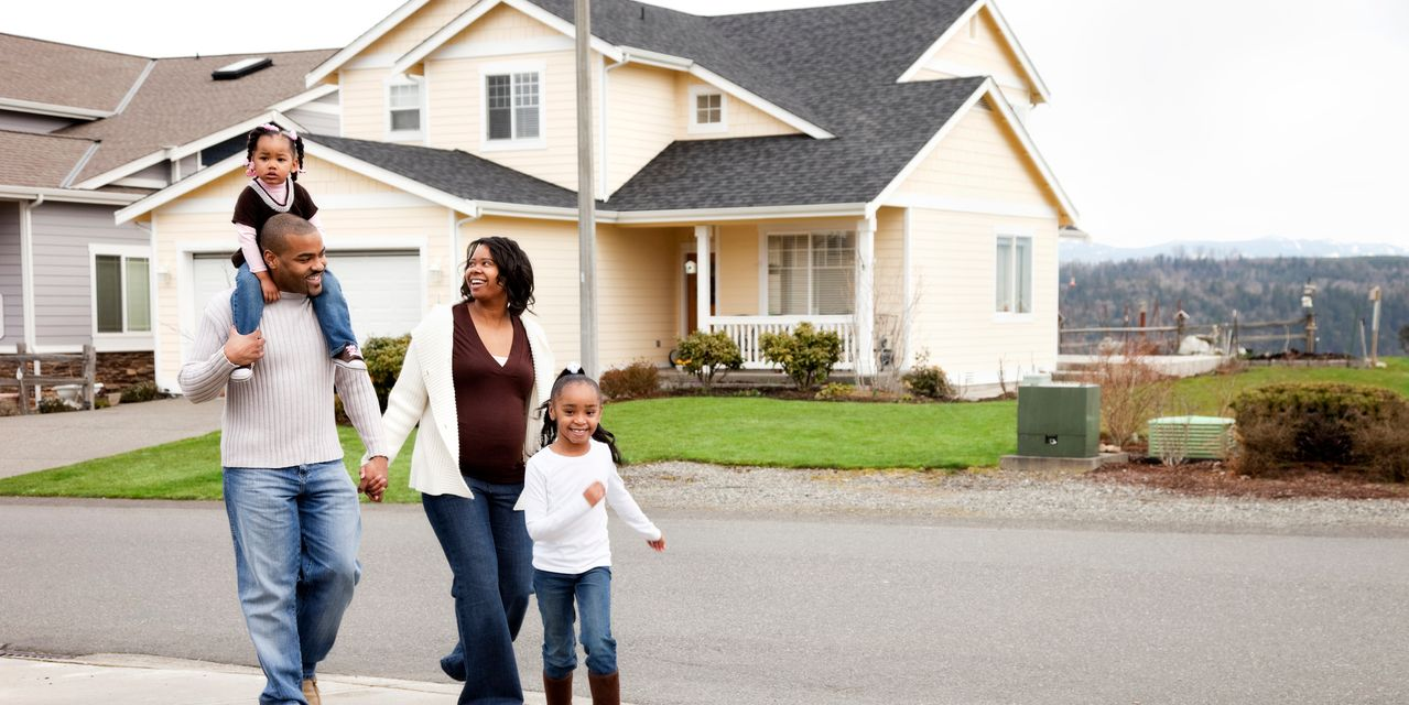 :-mortgage-rates-fell-over-the-past-week,-despite-inflation-hitting-a-13-year-high.-what's-going-on?