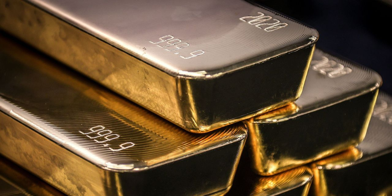metals-stocks:-gold-falls-as-dollar-strength-sets-prices-up-for-the-lowest-finish-in-over-a-week