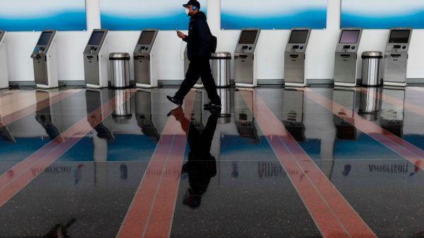 :-americans-are-still-skittish-about-flying-again