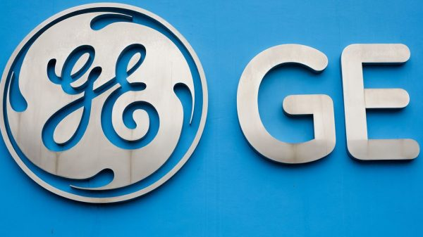 :-ge-stock-jumps-after-earnings-beat,-surprise-swing-to-positive-free-cash-flow