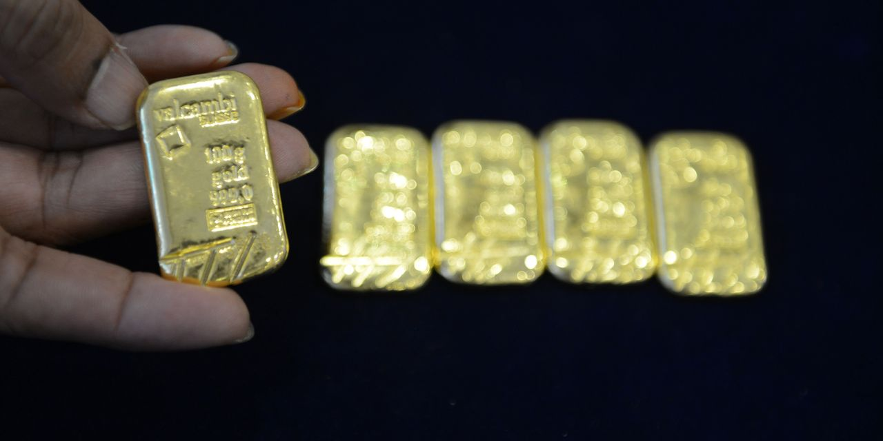 metals-stocks:-gold-futures-head-lower-as-investors-watch-for-us.-inflation-report