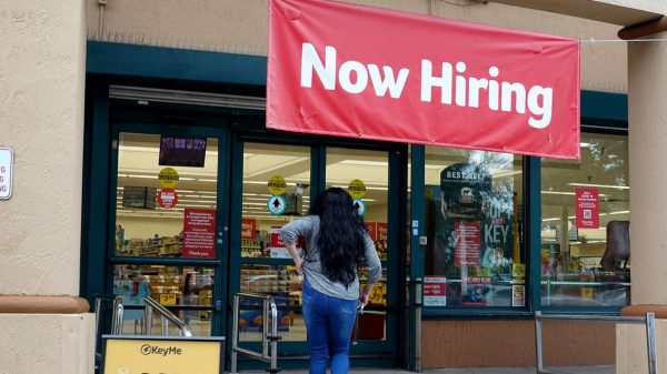 economic-report:-us.-jobless-claims-jump-to-one-month-high-of-351,000-on-big-increase-in-california